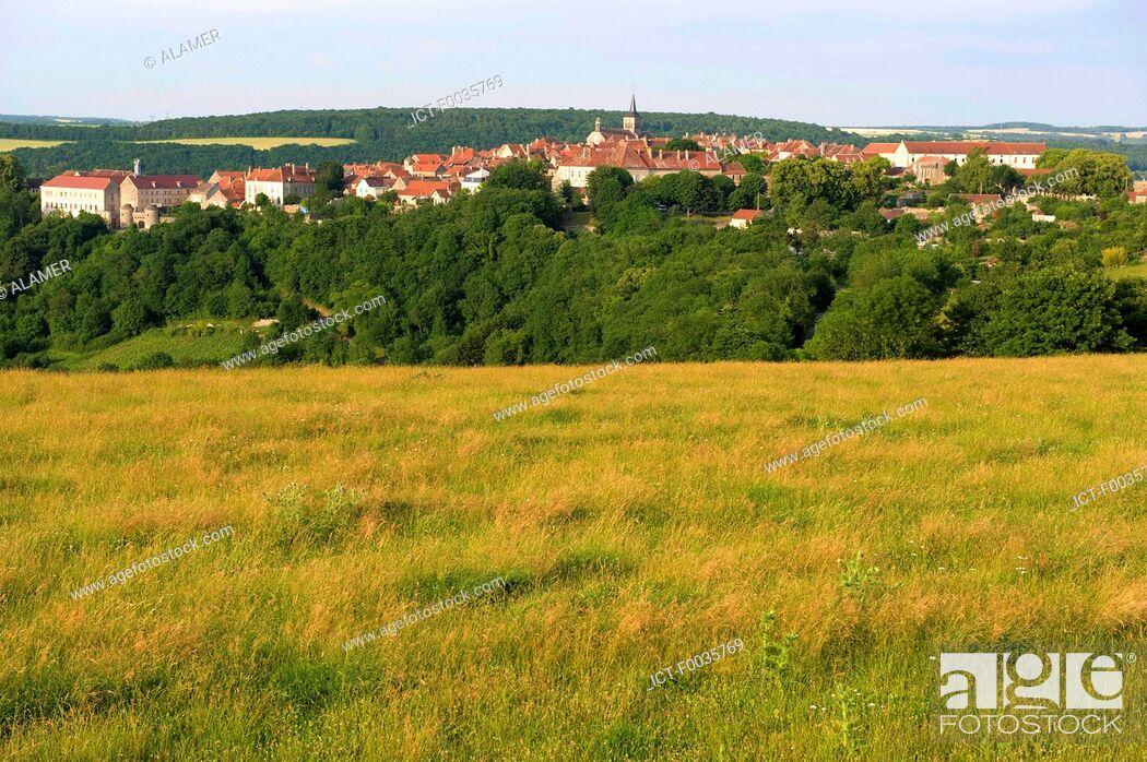 Stock Photo: France, Burgundy, Flavigny-sur-Ozerain.
