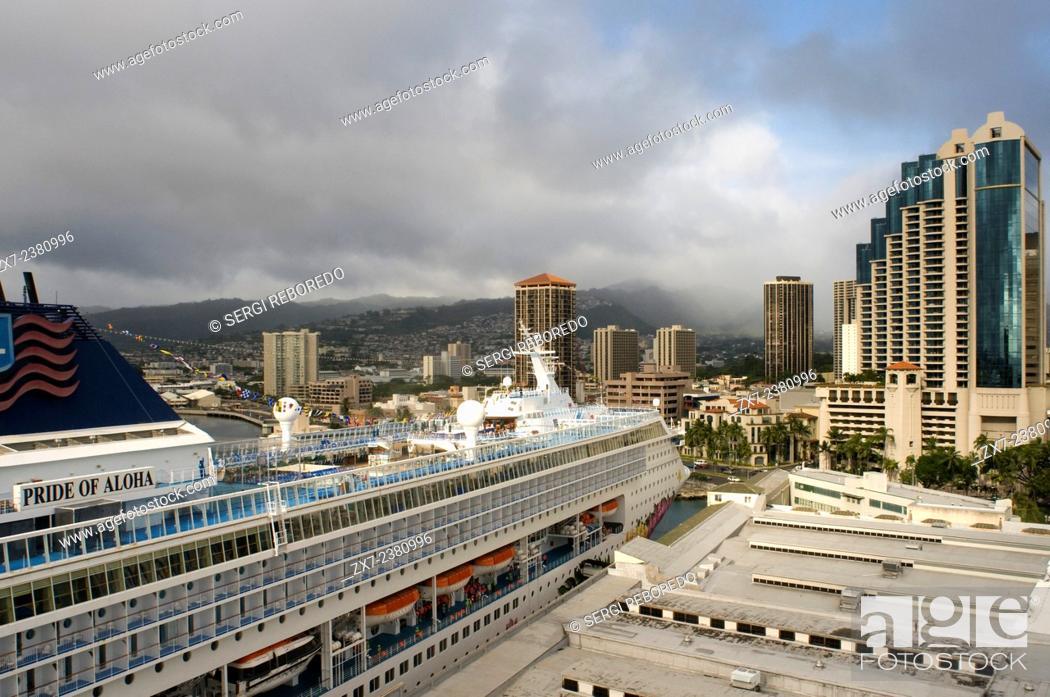 Port Of Honolulu >> Cruise Ship Moored In The Port Of Honolulu O Ahu Hawaii Pride Of