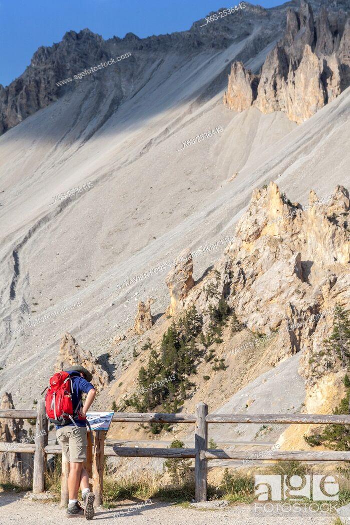 Imagen: Le Casse Déserte in the Col d'Izoard, Parc Naturel Régional du Queyras, Hautes-Alpes, Provence-Alpes-Côte d'Azur, France.