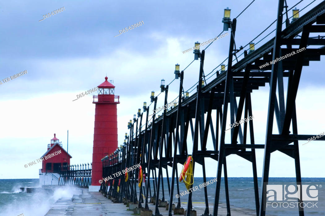 Stock Photo: Grand Haven Lighthouse / Early Winter Storm. Grand Haven. Lake Michigan Shore. Michigan. USA.