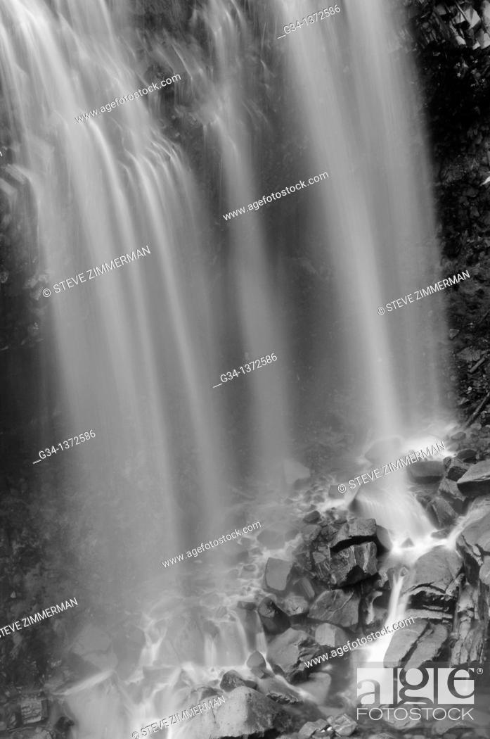 Stock Photo: Narada Falls, Mount Rainier National Park, Washington, USA.