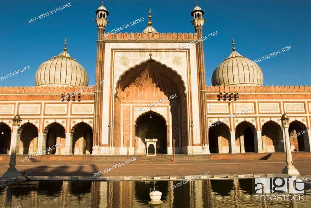 Imagen: Facade of a mosque, Jama Masjid, New Delhi, India.