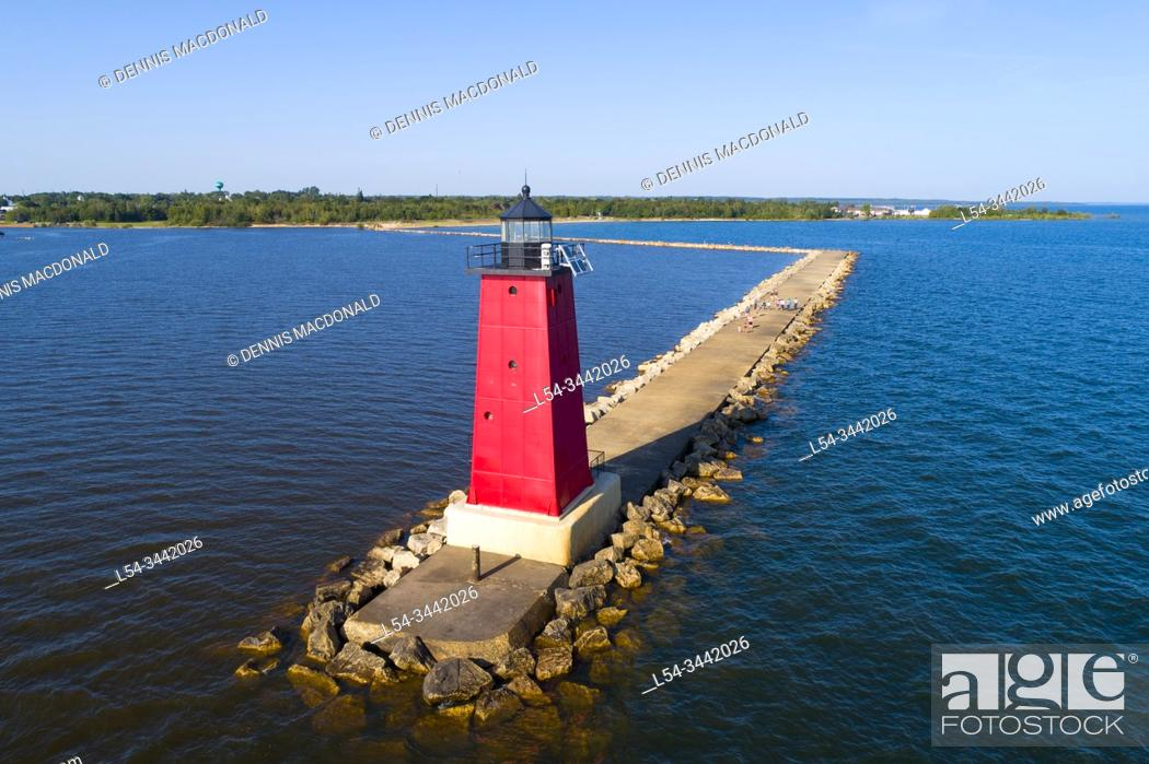 Stock Photo: Manistique lighthouse in manistique east breakwater light.