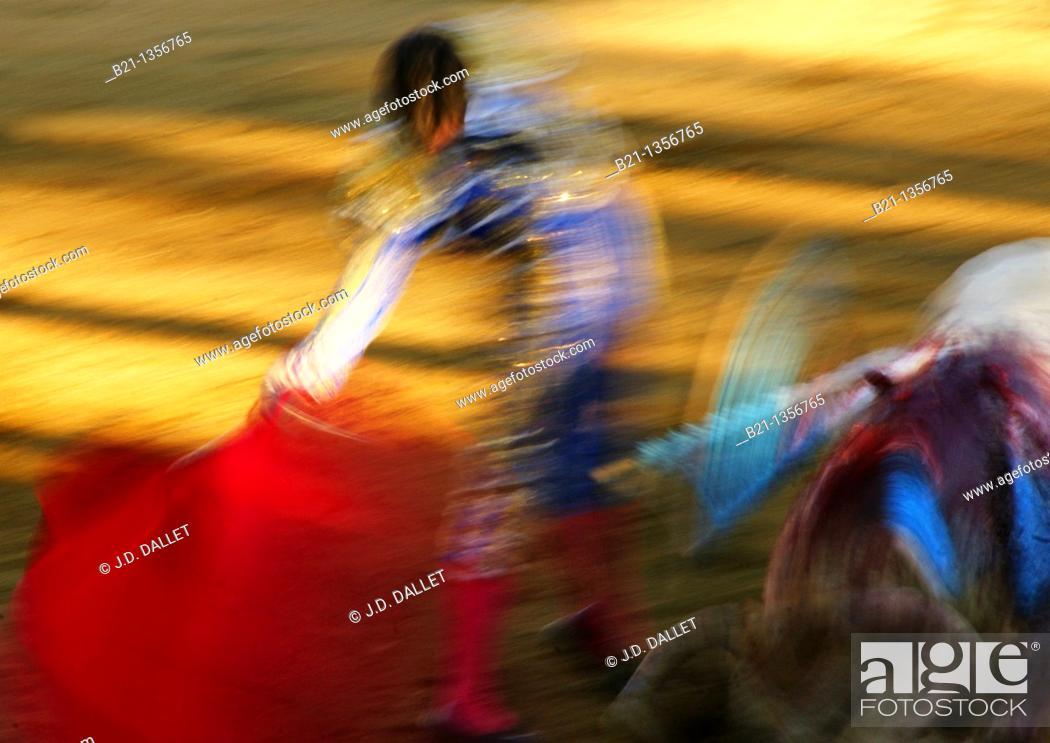 Stock Photo: Bullfighting, Parentis en Born, Landes, Aquitaine, France.