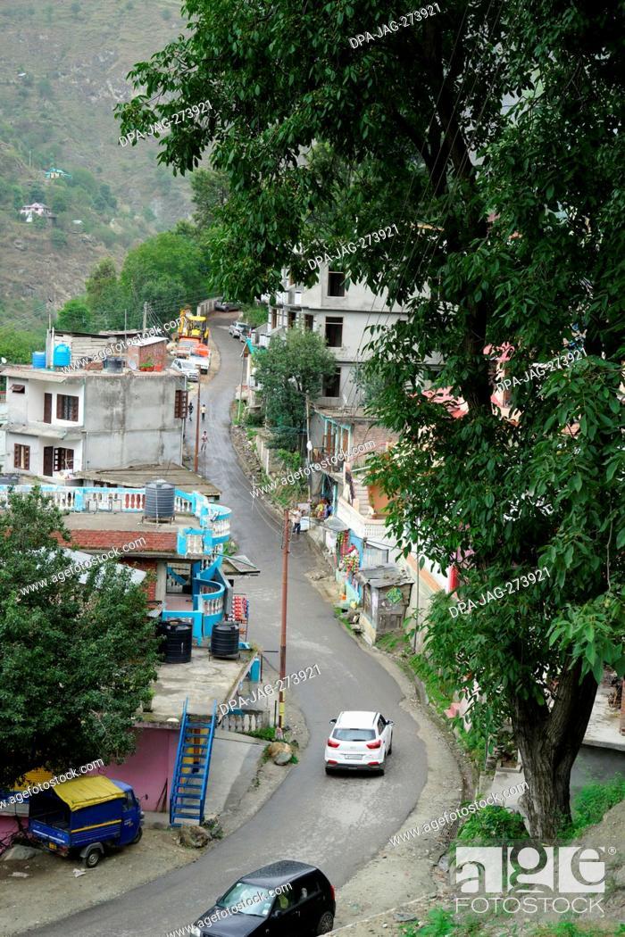 Stock Photo: narrow street, banjar town, tirthan valley, kullu, himachal pradesh, India, Asia.