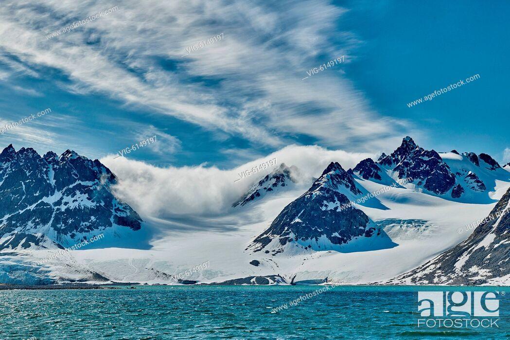 Imagen: landscape of Magdalenefjorden, Svalbard or Spitsbergen, Europe - , Svalbard, 22/06/2018.