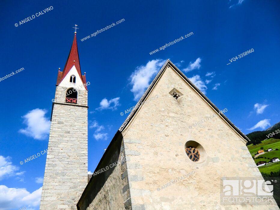 Stock Photo: San Martino Church on the way to San Giovanni in Valle Aurina, Sankt Johann in Ahrntal, South Tirol, Alto Adige, Italy, Europe.