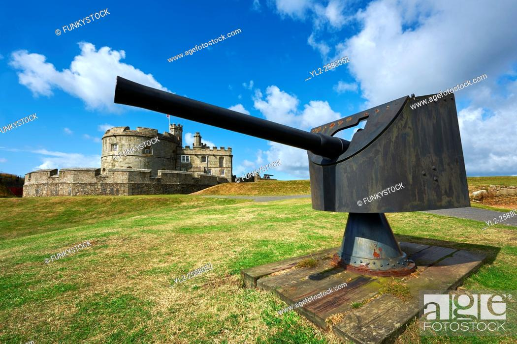 Stock Photo: Pendennis Castle one of Henry VIII's Device Forts, or Henrician castle built between 1539 - 1545 overlooking the Fal estuary, near Falmouth, Cornwall, England.