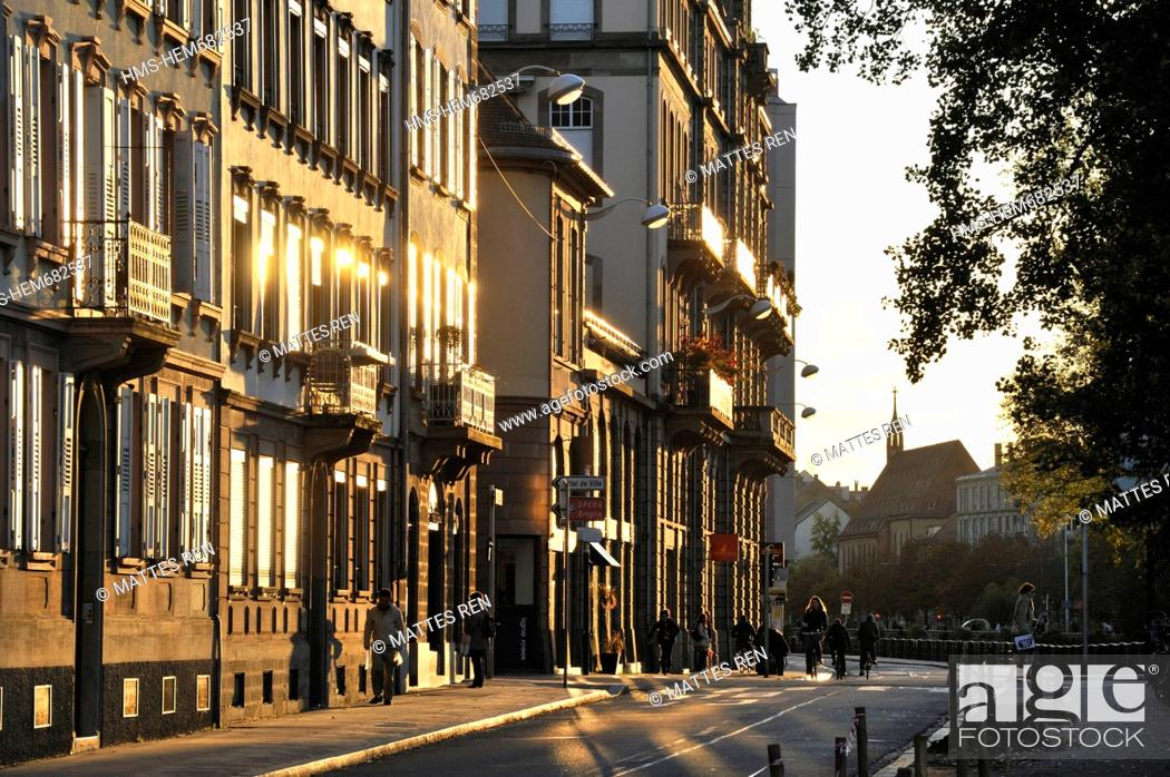 Stock Photo: France, Bas Rhin, Strasbourg, old city listed as World Heritage by UNESCO, Quai Schoepflin.
