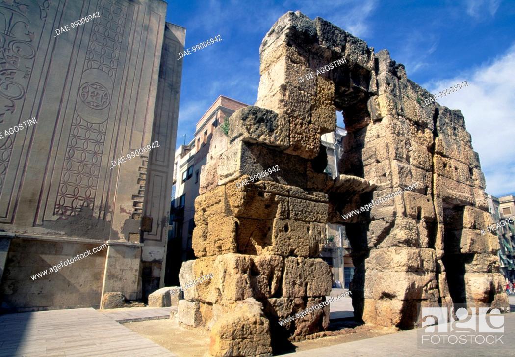 Imagen: Walls of the Roman forum, Tarragona (UNESCO World Heritage List, 2000), Catalonia, Spain. Roman civilisation, 3rd-2nd century BC.