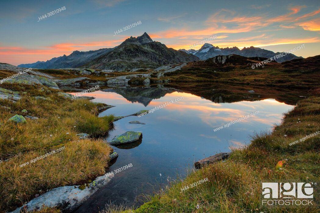 Imagen: Gärstenhörner - 3189 m, Galenstock - 3586m, Schweiz.