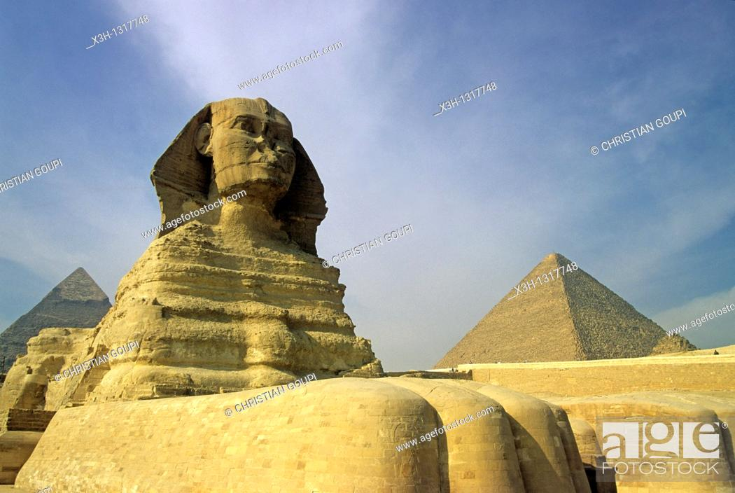 Stock Photo: Great Sphinx and Pyramid of Giza, Cairo, Egypt, Africa.
