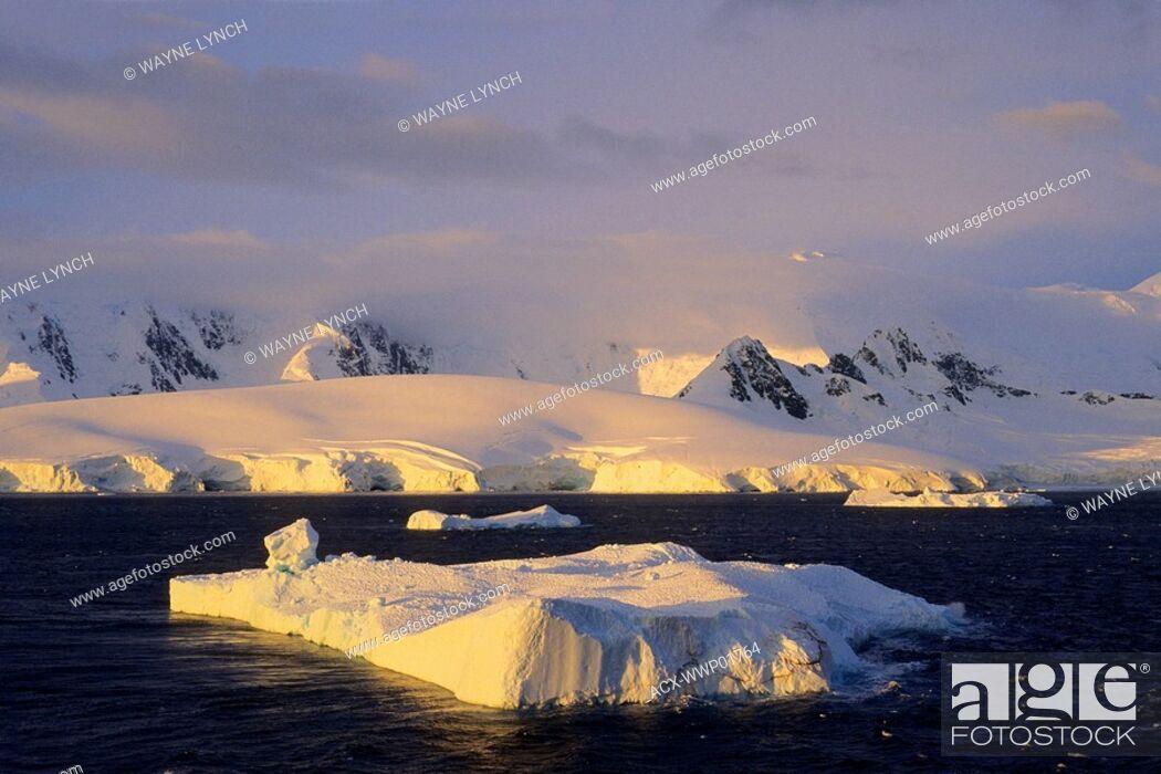 Stock Photo: Neumayer Channel, Antarctic Peninsula.