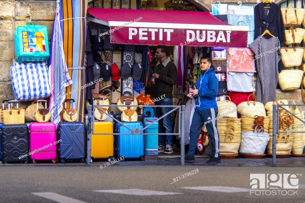 Stock Photo: France, Nouvelle Aquitaine, Gironde, at the multi ethnic area of Saint Michel at Bordeaux.
