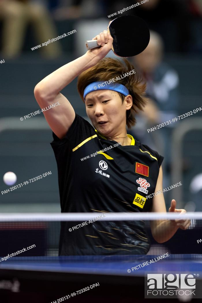 Imagen: 31 January 2020, Saxony-Anhalt, Magdeburg: Table tennis: German Open, women, singles, quarter finals, Wang (China) - Shibata (Japan).