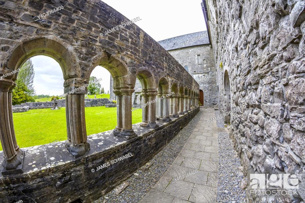 Imagen: Ballintubber Abbey in the village of Ballintubber in County Mayo Ireland.