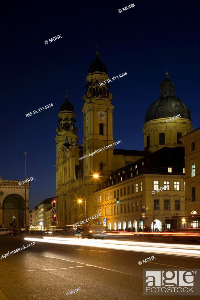 Stock Photo: Feldherrnhalle and Theatine Church, Odeonsplatz, Munich, Bavaria, Germany.