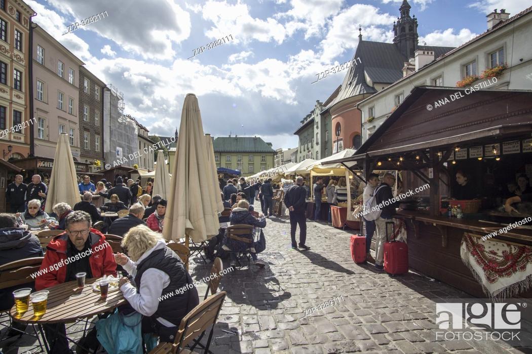 Photo de stock: KRAKOW POLAND ON SEPTEMBER 24, 2018: Food stalls and market at Novy square .