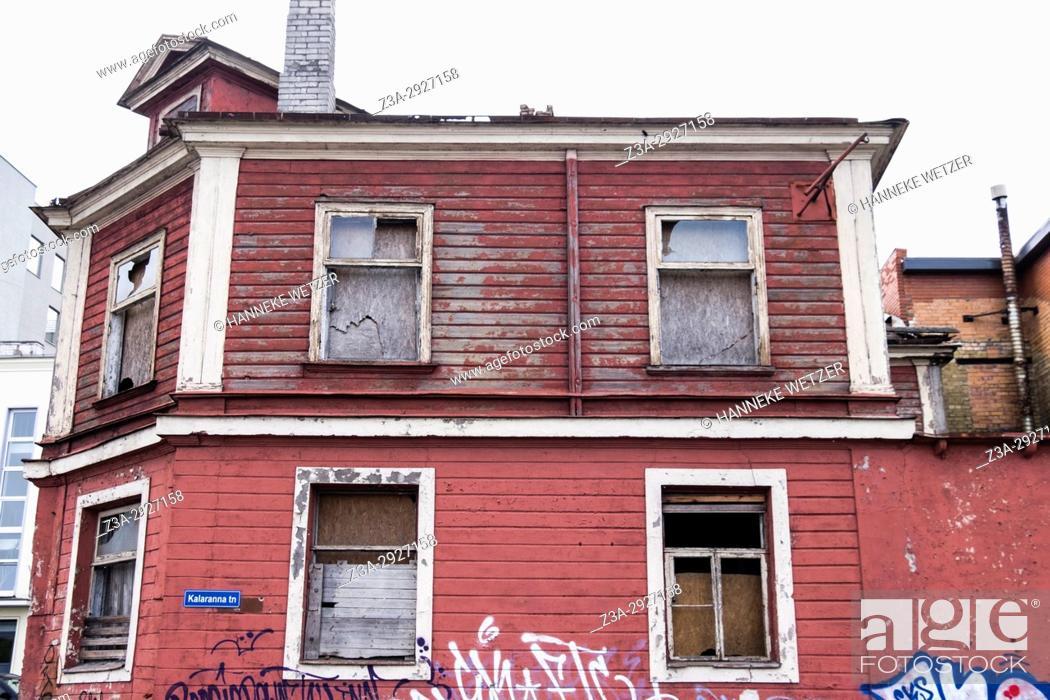 Imagen: Old house in Tallinn, Estonia, Europe.