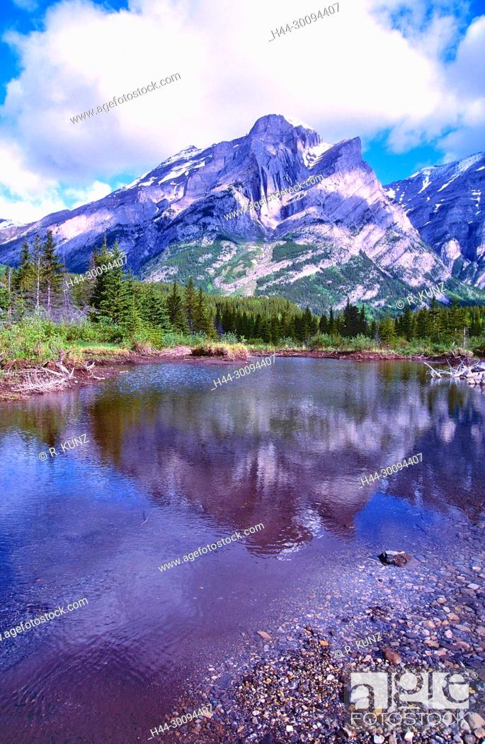 Stock Photo: River landscape, Kananaskis River, reflections, Mount Kidd, coniferous forest, Kananaskis country, Province of Alberta, Canada.