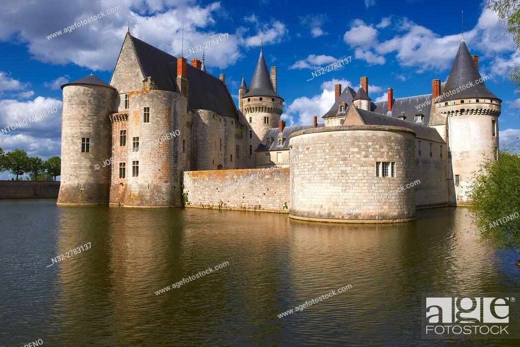 Photo de stock: Sully sur Loire, Castle, Chateau de Sully sur Loire, Loire Valley, UNESCO World Heritage Site, Loire River, Loiret department, Centre region, France, Europe.
