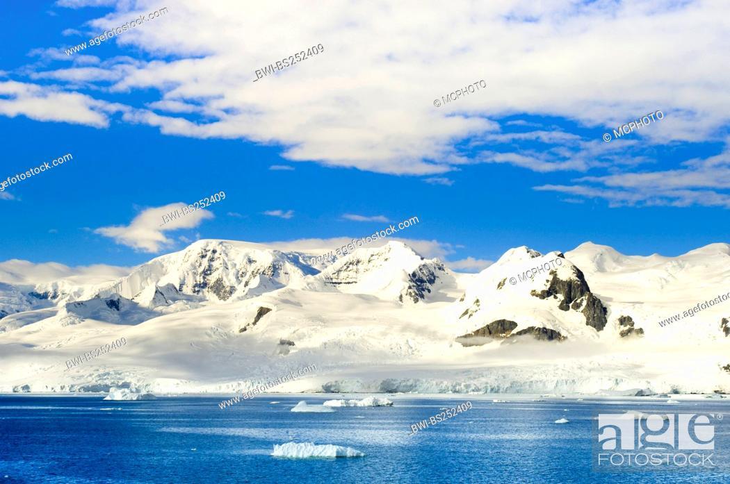 Imagen: landscape at Antarctica, Antarctica, Neko Cove Harbour.