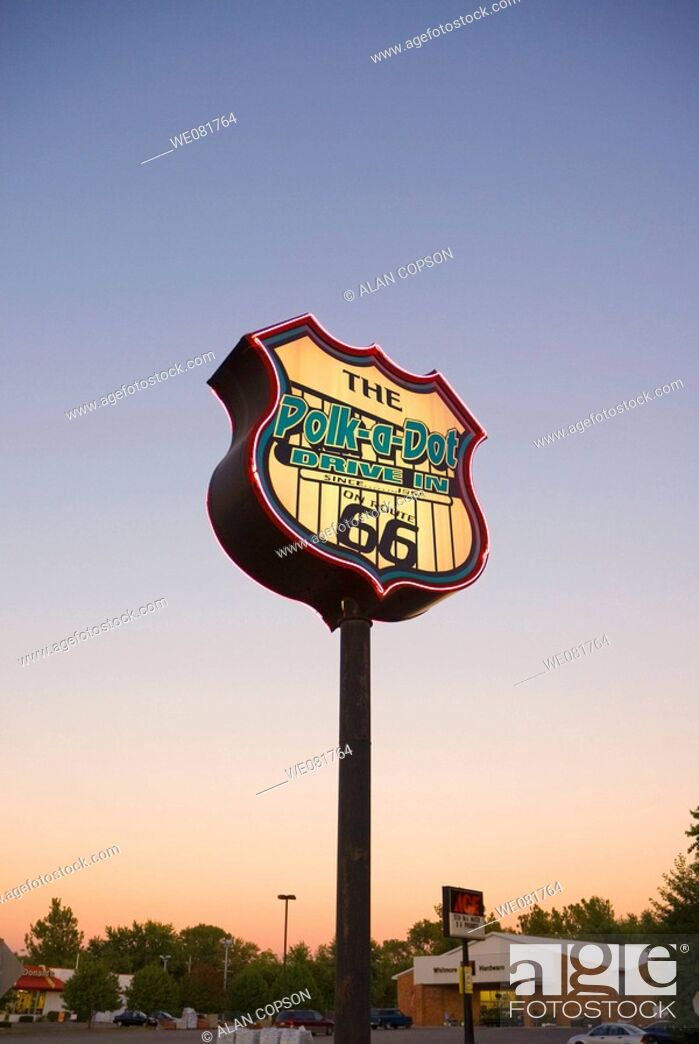 Stock Photo: USA Illinois Route 66 Braidwood Polk-a-Dot Drive-In sign.