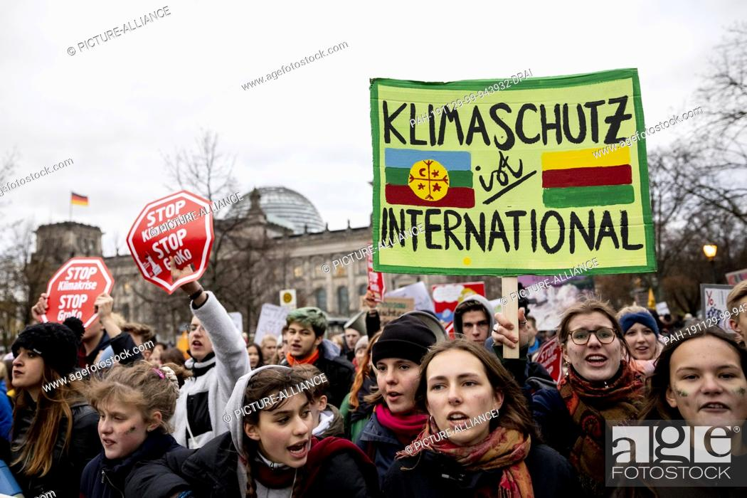 Stock Photo: 29 November 2019, Berlin: The demonstration march of Fridays For Future as well as a large NGO alliance for the action day for more climate protection takes.