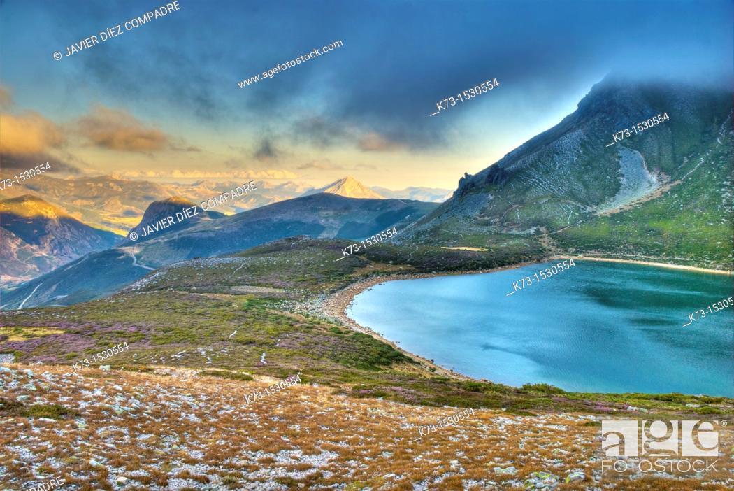 Stock Photo: Ausente Lake. Picos de Europa Regional Park. Puebla de Lillo. Leon Province. Castilla y Leon. Spain.