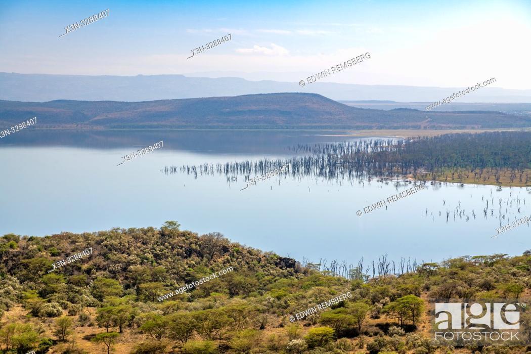 Photo de stock: A landscape view of Lake Nakuru National Park from Baboon Cliff, Kenya.