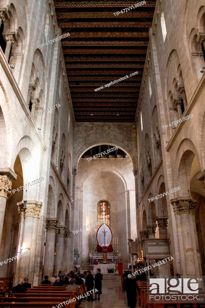 Stock Photo: Italy, Apulia, Bitonto, the cathedral indoor.