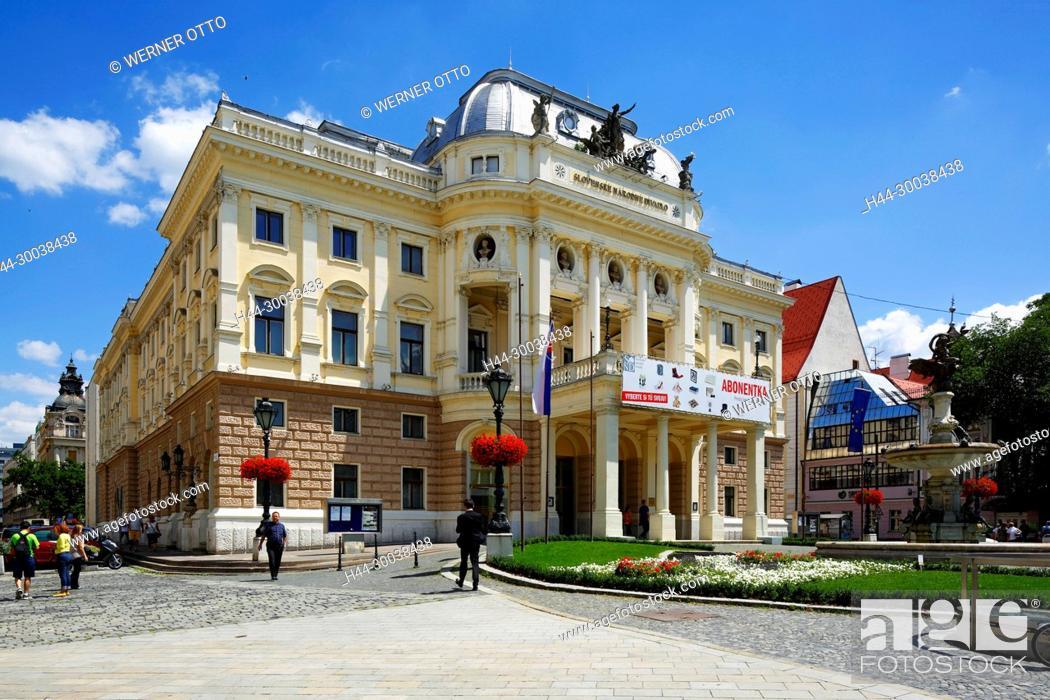 Stock Photo: Slowakische Republik, Slowakei, Westslowakei, Bratislava, Pressburg, Hauptstadt, Donau, Kleine Karpaten, Slowakisches Nationaltheater.