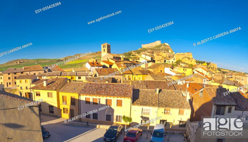 Imagen: Panoramic View, San Esteban de Gormaz, Soria, Castilla y León, Spain, Europe.