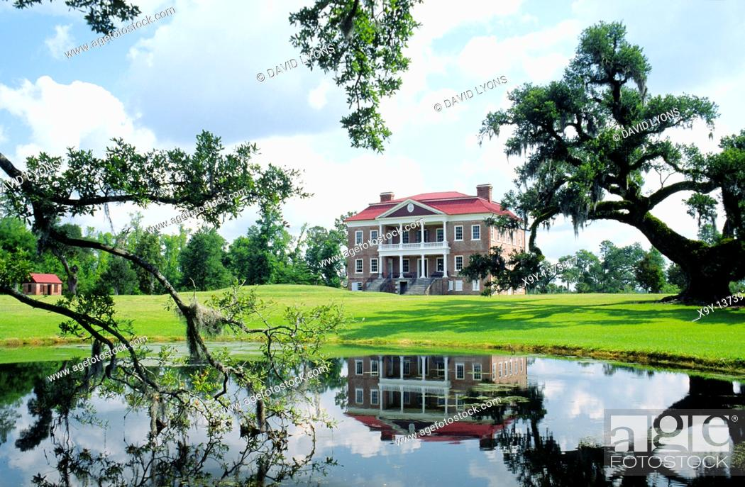 Stock Photo: Drayton Hall plantation mansion house on the Ashley River near Charleston, South Carolina, USA.