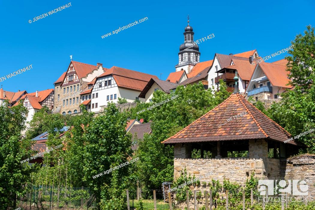 Imagen: Cityscape with historic city wall and St Martin church, Gochsheim, Baden-Wurttemberg, Germany, Europe.