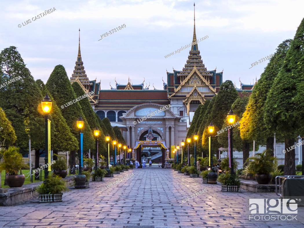 Stock Photo: The Grand Palace is a complex of buildings at the heart of Bangkok, Thailand. The palace has been the official residence of the Kings of Siam (and later.