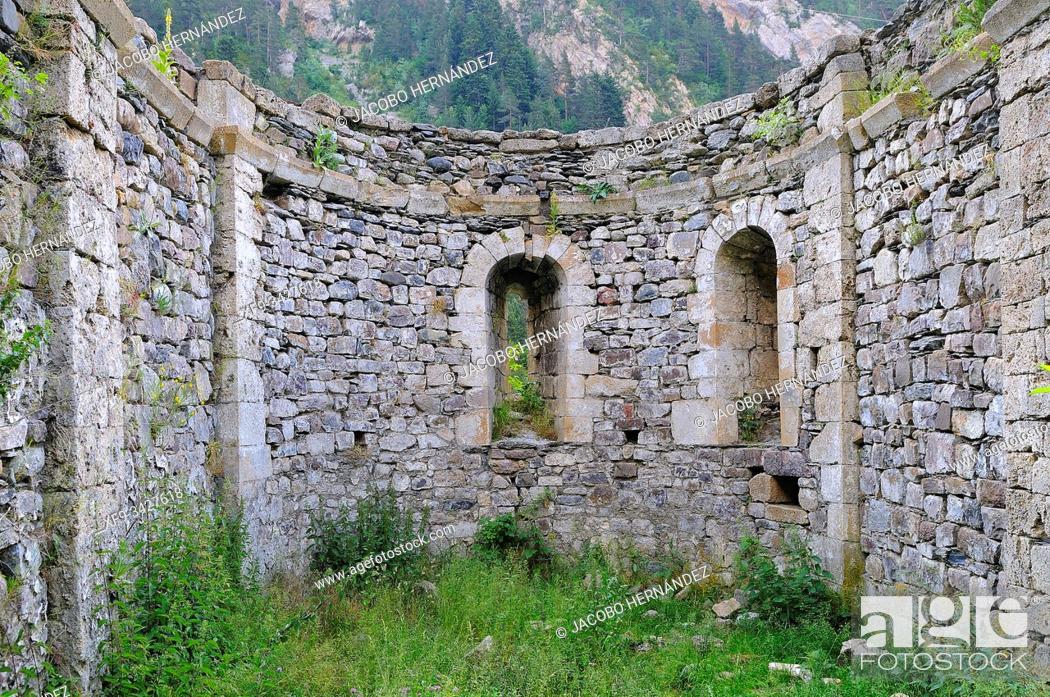 Stock Photo: Ruins of the romanesque hermitage of San Nicolás de Bujaruelo. Pirineos. Huesca province. Aragón. Spain.