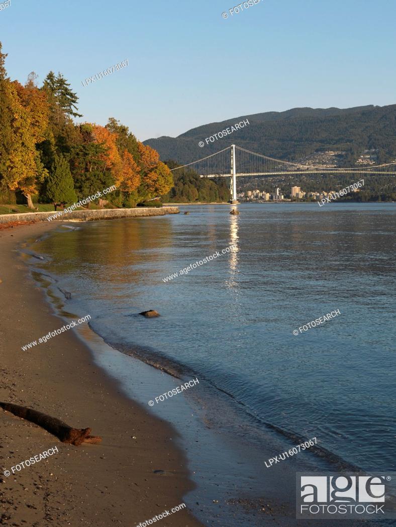 Stock Photo: Lions Gate Bridge in Vancouver, British Columbia, Canada.