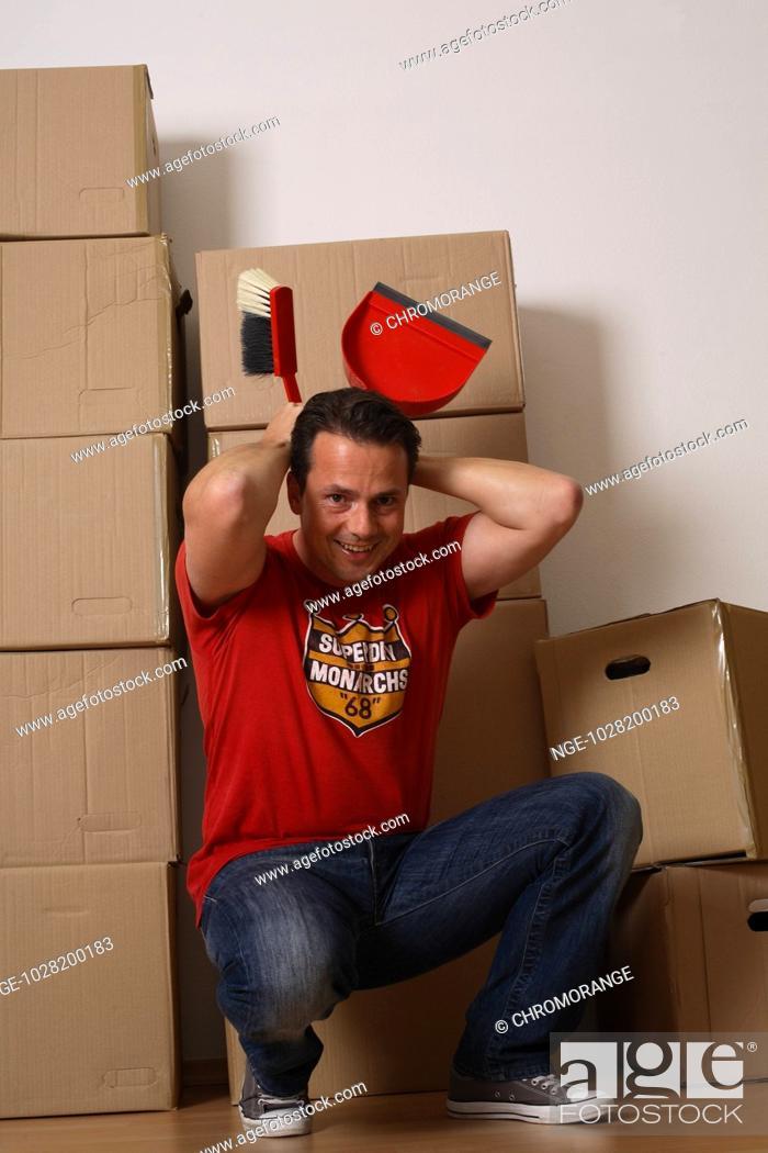 Imagen: Man during Moving.