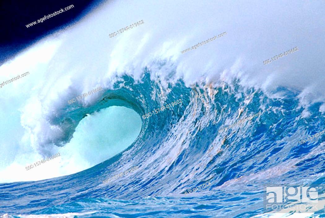 Stock Photo: Close-up of waves in Waimea Bay, Hawaii, USA.