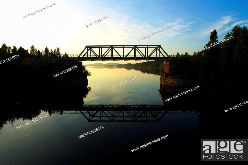 Stock Photo: outdoors, dusk, dawn, sunrise, sunset, twilight.
