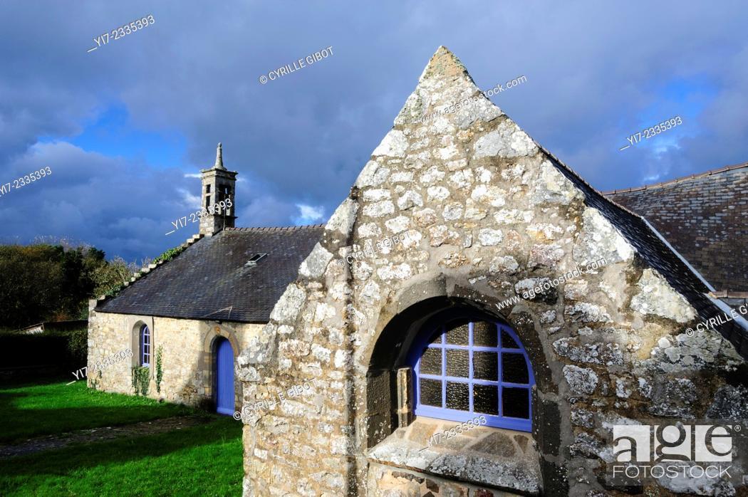 Stock Photo: France, Brittany, Finistere, Crozon Peninsula, Saint-Hernot chapel.