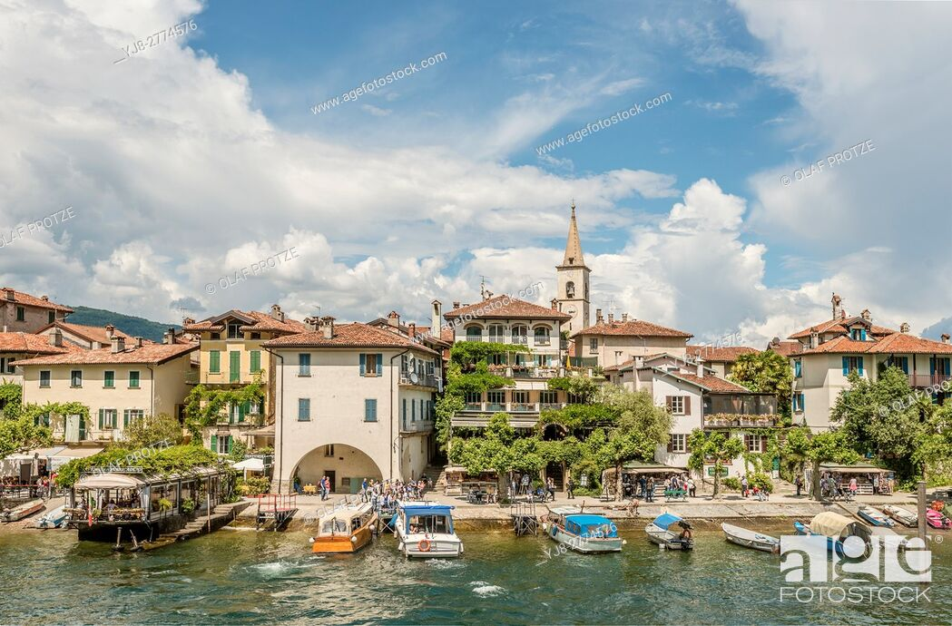 Stock Photo: Waterfront of Isola dei Pescatori at Lago Maggiore, seen from the lakeside, Piemont, Italy.