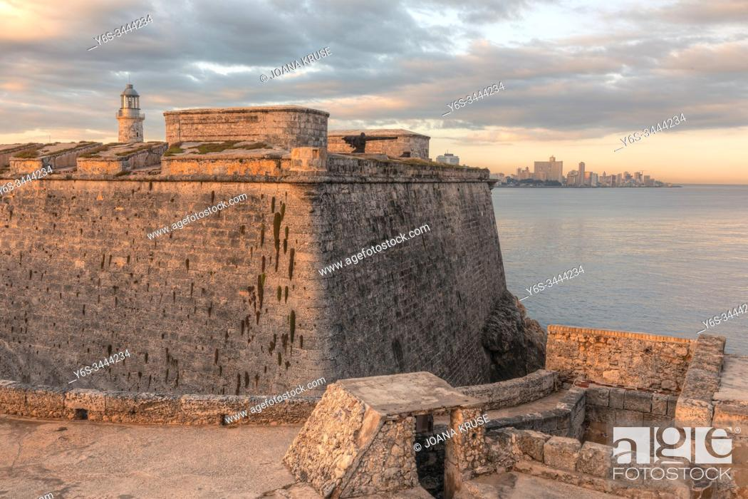 Stock Photo: Castillo de los Tres Reyes del Morro, Havana, Cuba, North America.