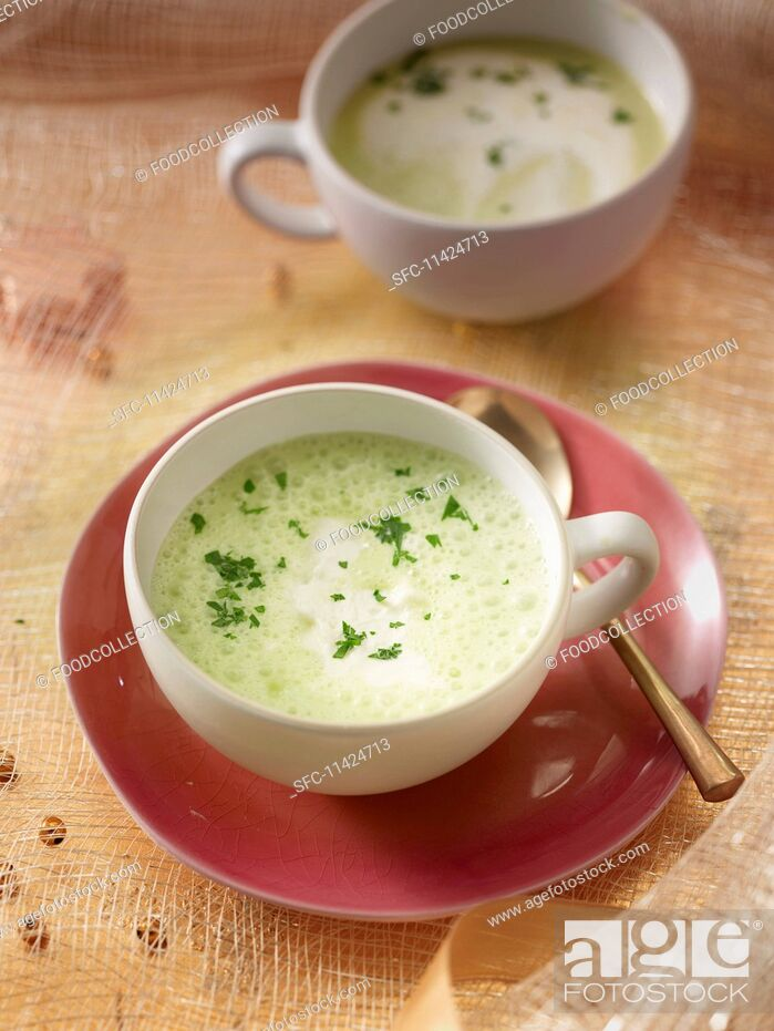 Imagen: Parsley root foam soup.