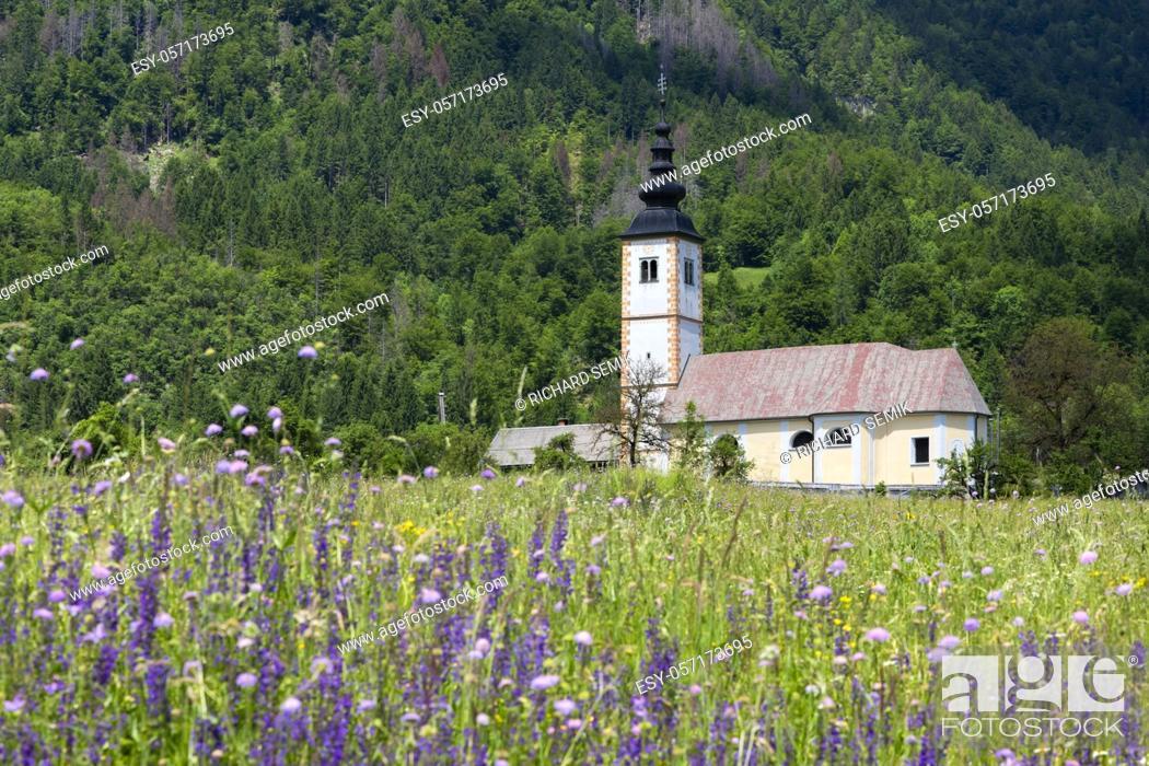 Imagen: church in Jereka near Bohinj lake in Slovenia.