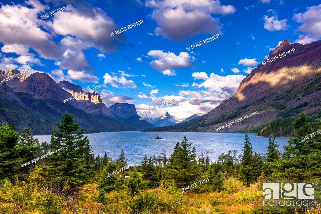 Photo de stock: Saint Mary Lake and Wild Goose Island, Glacier National Park, Montana USA.
