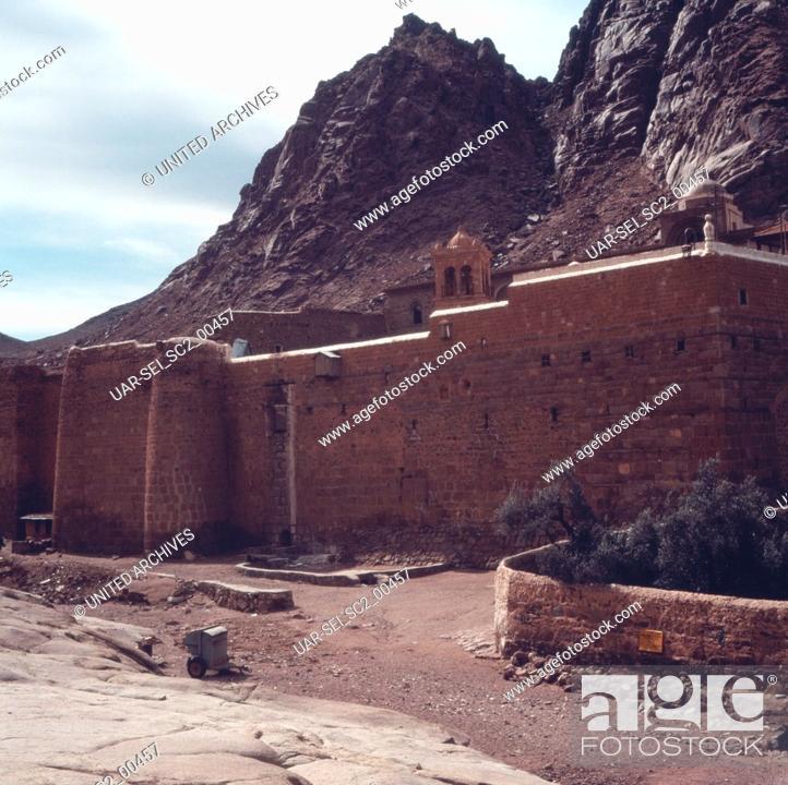 Imagen: Das Katharinenkloster im Sinai, Israel 1970er Jahre. The Saint Catherine's Monastery on the Sinai Peninsula, Israel 1970s.