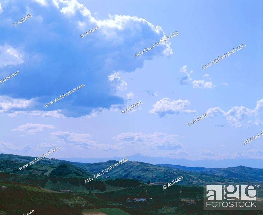 Imagen: Clouds: cumulus humilis and cumulus mediocris clouds, shot 2002 by Dulevant, Stefano for Alinari.