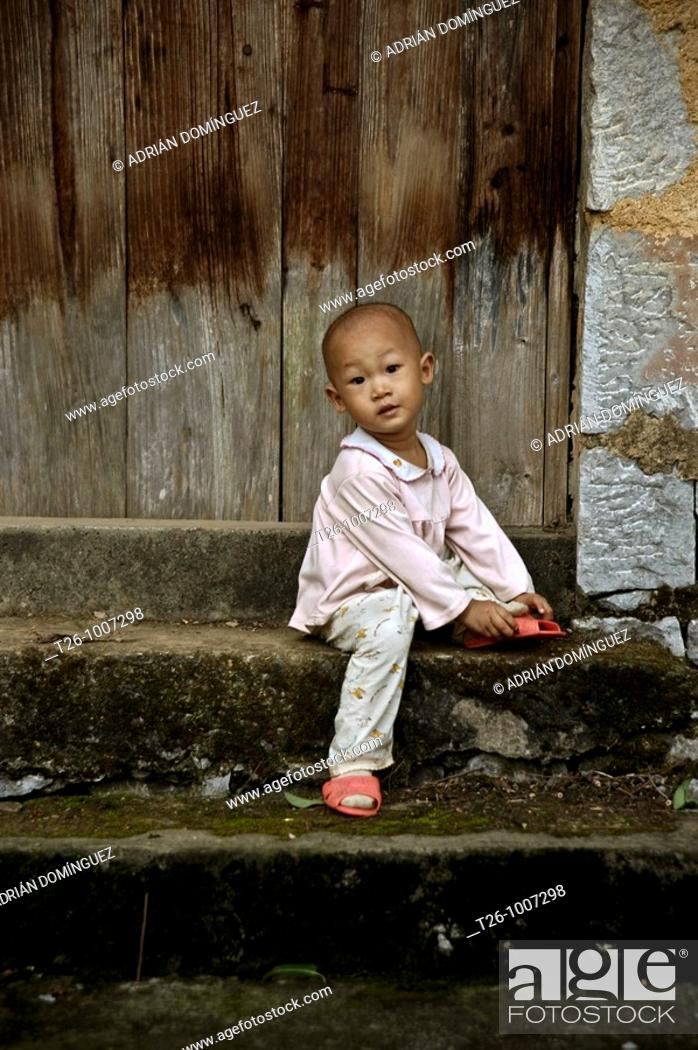 Stock Photo: tibetian kid. China.